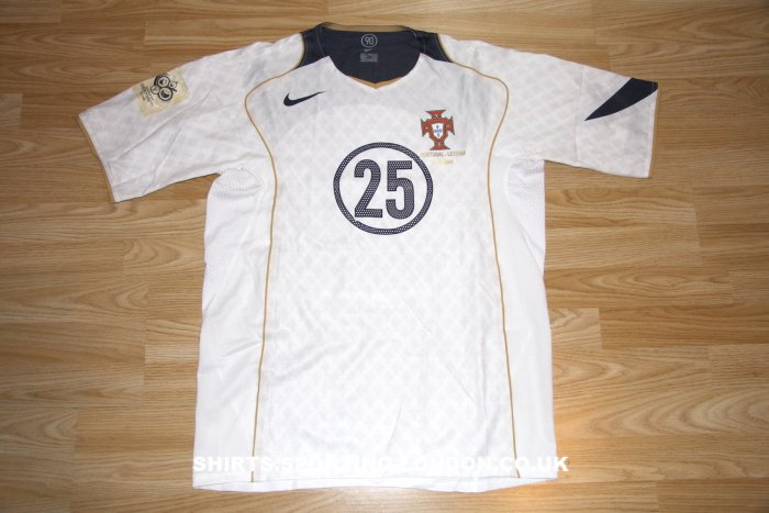 2004 Portuguese National Team alternative shirt - front