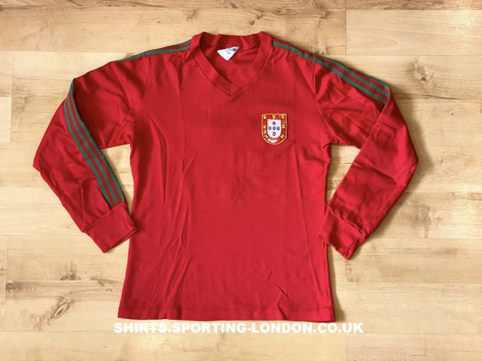 1976 - 1979 Portugal National Team Front